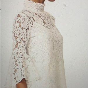 WAYF Circa Bell Sleeve Top Size XS
